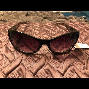 New York & Company women's sunglasses. 100% UV